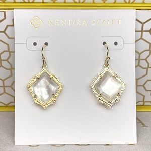 New Kendra Scott Kyrie Gold Ivory Pearl
